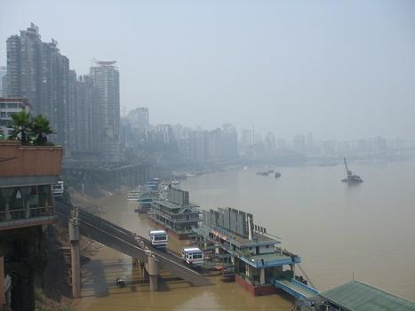 chongqing china ligt aan de yangtze rivier