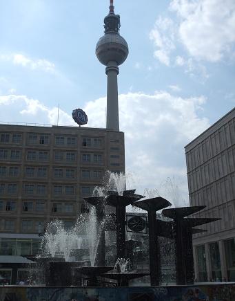 Alexanderplatz Berlijn met televisietoren