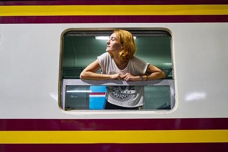 vrouw in trein